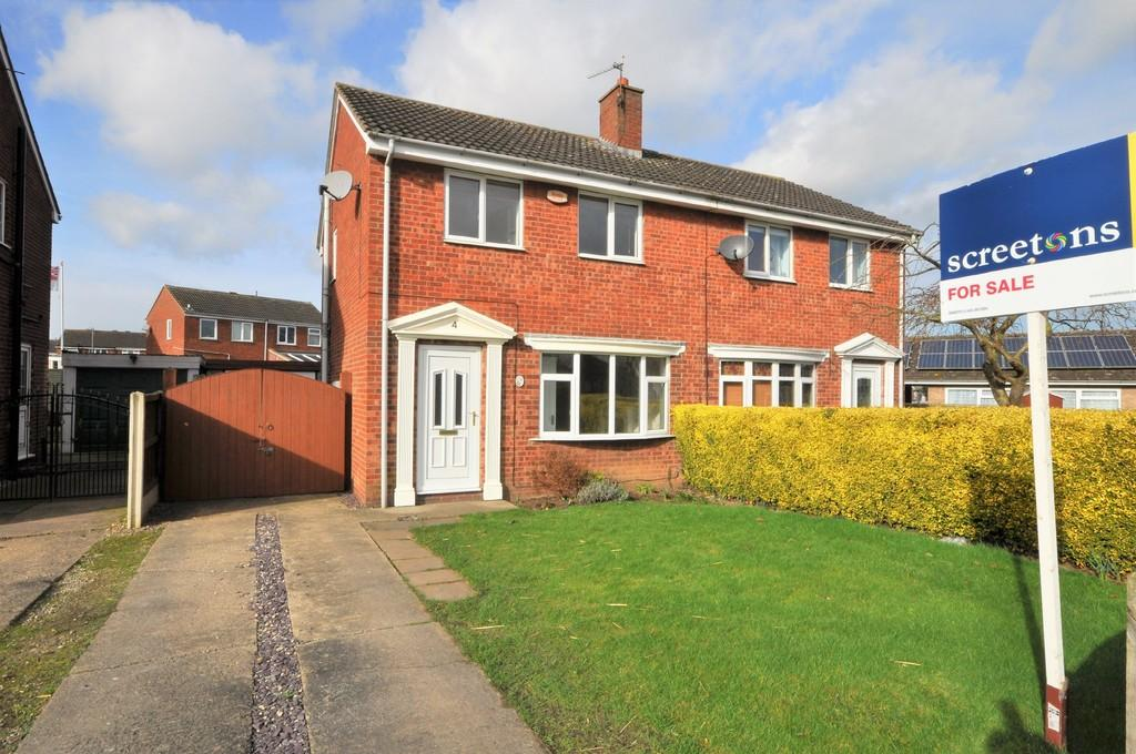 3 Bedrooms Semi Detached House for sale in Bourn Mill Balk Road, Snaith