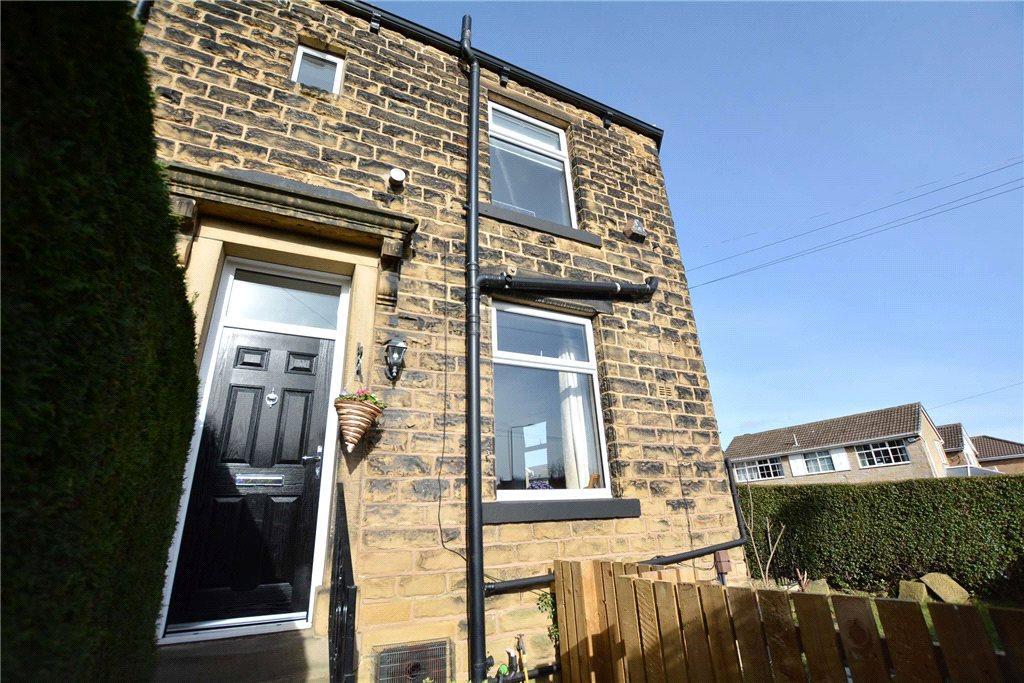 2 Bedrooms Terraced House for sale in Priesthorpe Road, Farsley, Leeds