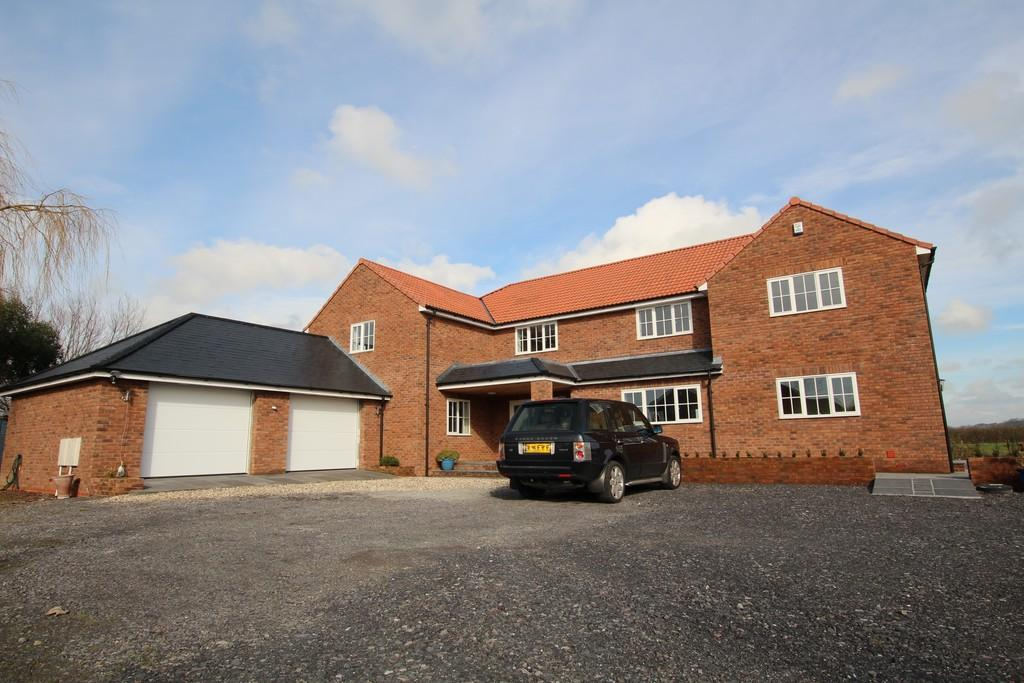 4 Bedrooms Detached House for sale in Conway Crescent, Burnham On Sea