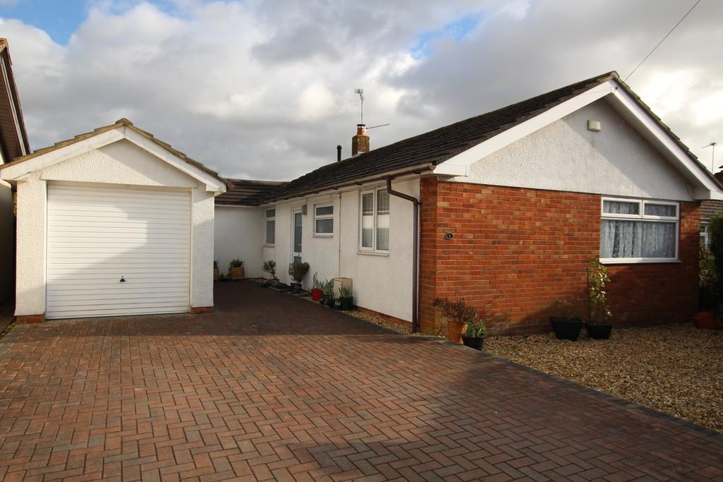 3 Bedrooms Detached Bungalow for sale in Garstons, Wrington