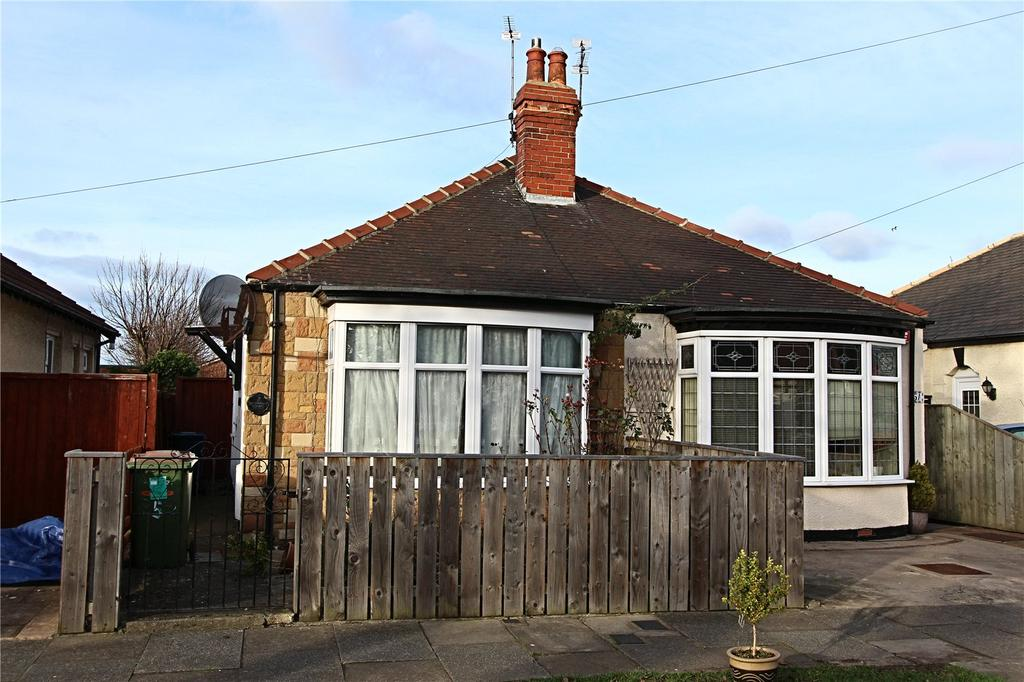 2 Bedrooms Semi Detached Bungalow for sale in Saint Peter's Grove, Redcar
