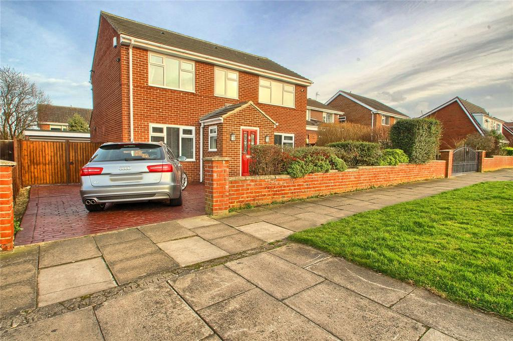 3 Bedrooms Detached House for sale in Foxwood Drive, Stockton-on-Tees
