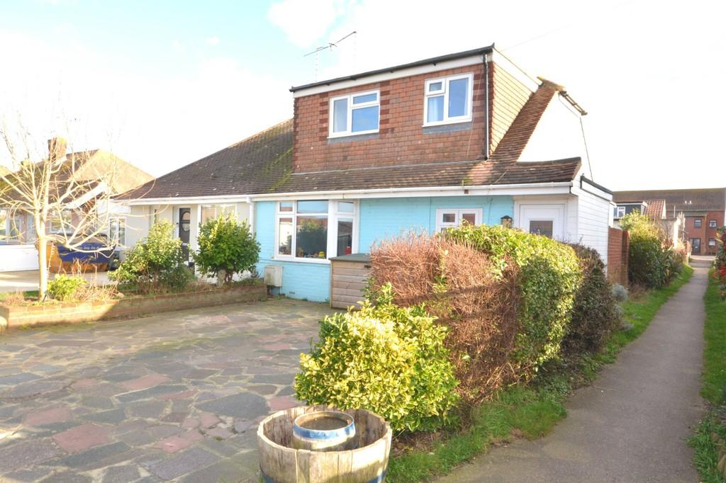 3 Bedrooms Chalet House for sale in Lancing