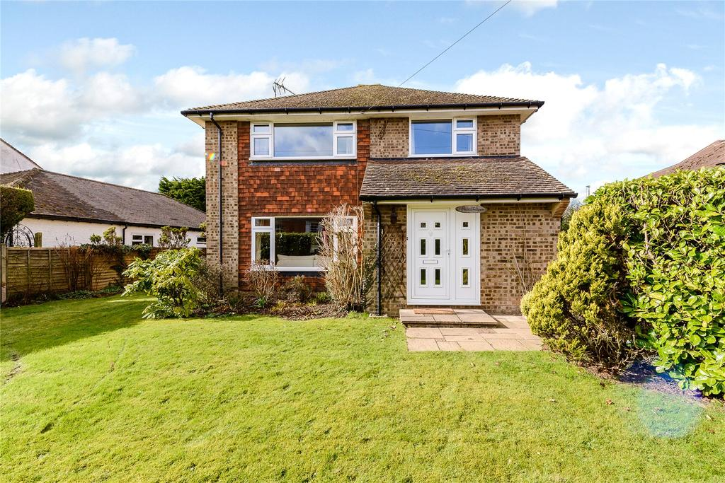 4 Bedrooms Detached House for sale in Lickfolds Road, Rowledge, Farnham, Surrey