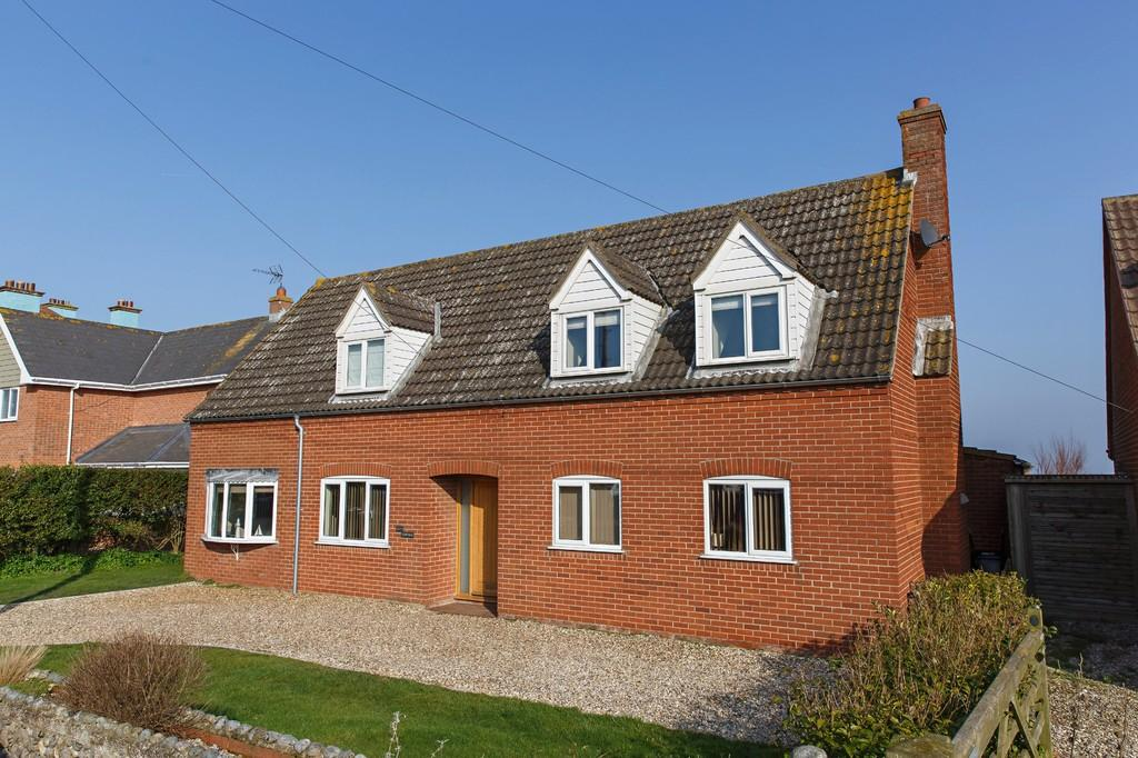 5 Bedrooms Detached House for sale in Sea View Road, Mundesley