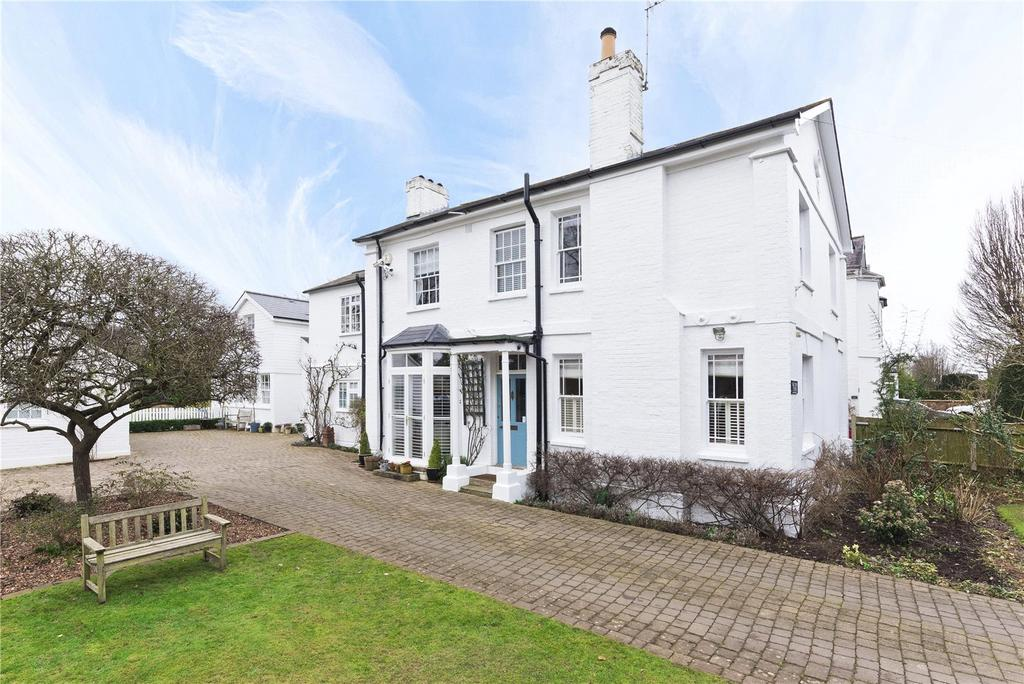 5 Bedrooms Detached House for sale in Church Road, Claygate, Esher, Surrey, KT10