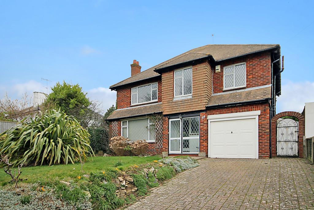 4 Bedrooms Detached House for sale in Manor Road, Worthing BN11 4RU