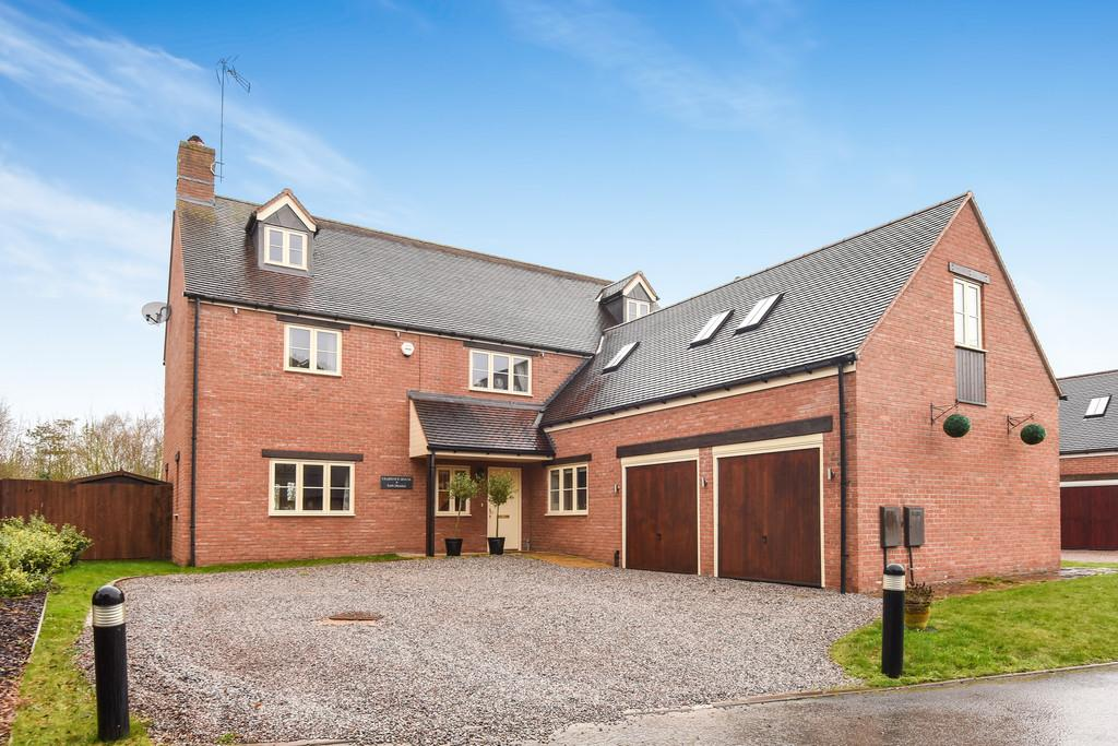6 Bedrooms Detached House for sale in Earls Meadow, Warwick