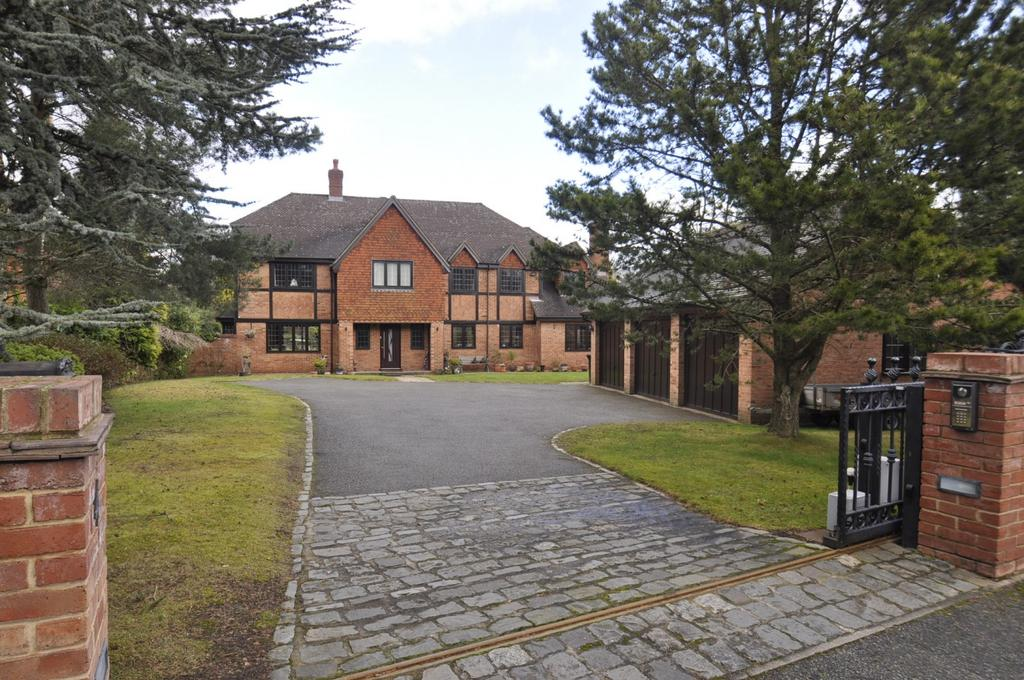 5 Bedrooms Detached House for sale in Broomhill Drive, Bramhall