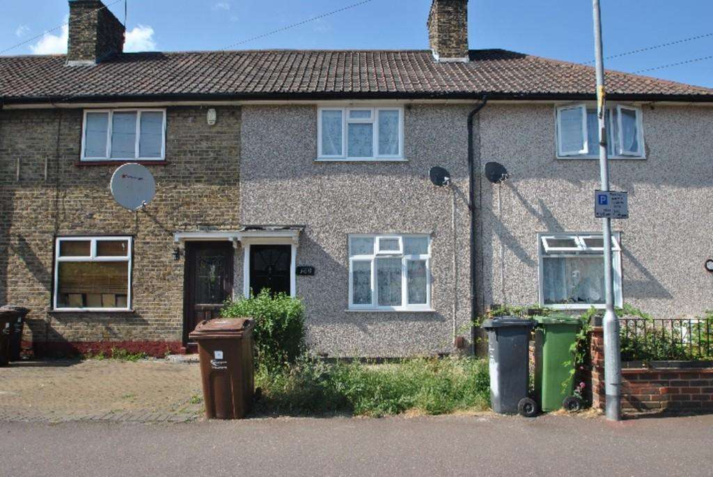 2 Bedrooms Detached House for sale in Blackborne Road, Dagenham