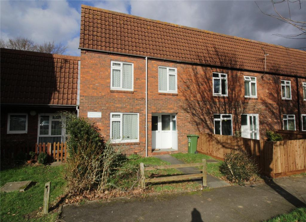 3 Bedrooms Terraced House for sale in Coopersales, Laindon, Essex, SS15
