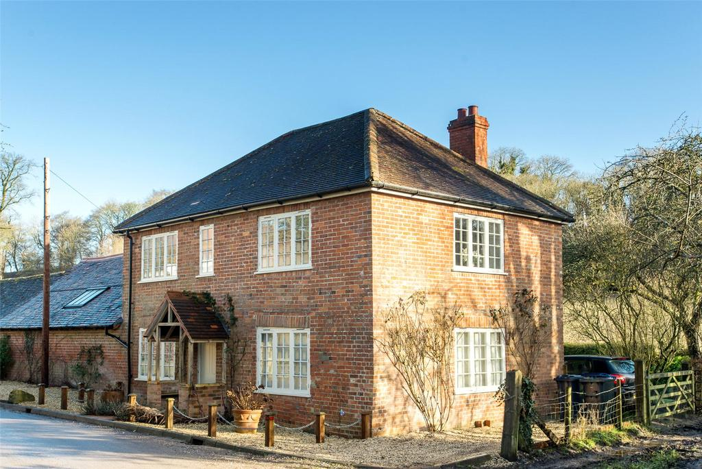 3 Bedrooms Cottage House for sale in Milton, East Knoyle, Salisbury, Wiltshire, SP3
