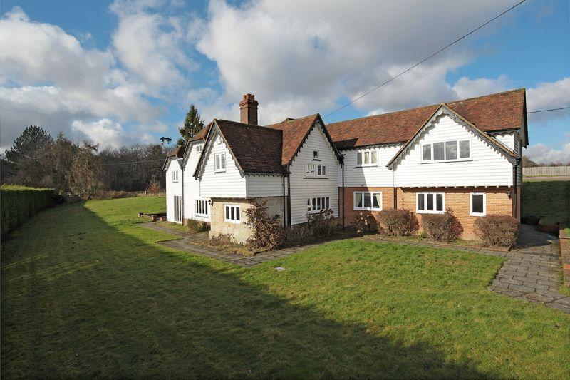 5 Bedrooms Detached House for sale in Rural Tunbridge Wells, Eridge Green, Kent
