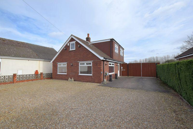 4 Bedrooms Detached House for sale in Station Road, Thorpe On The Hill, Lincoln
