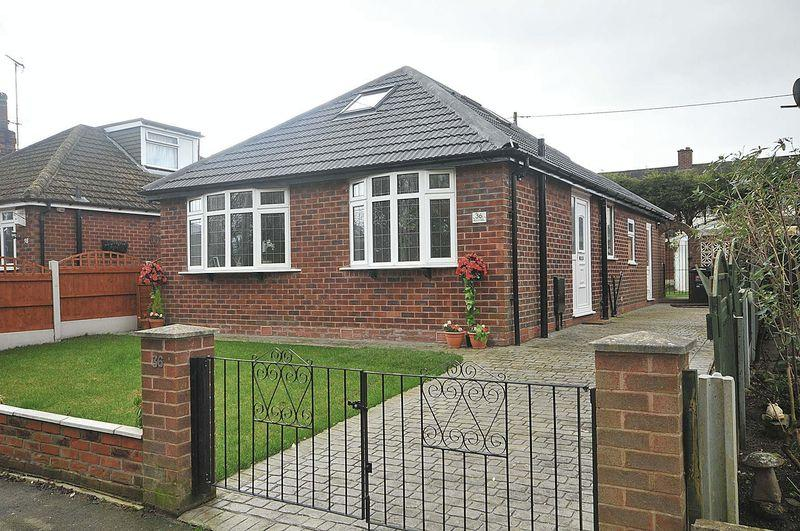 3 Bedrooms Bungalow for sale in Hollytree Road, Plumley