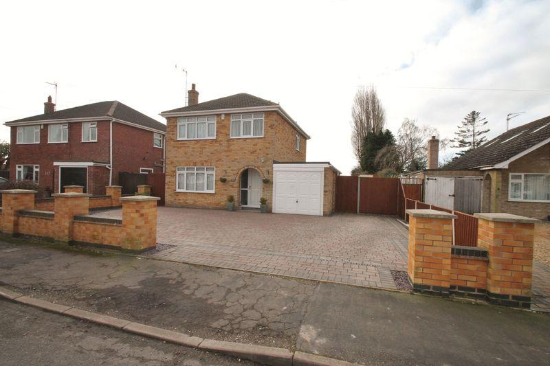 3 Bedrooms Detached House for sale in Langwith Gardens, Holbeach