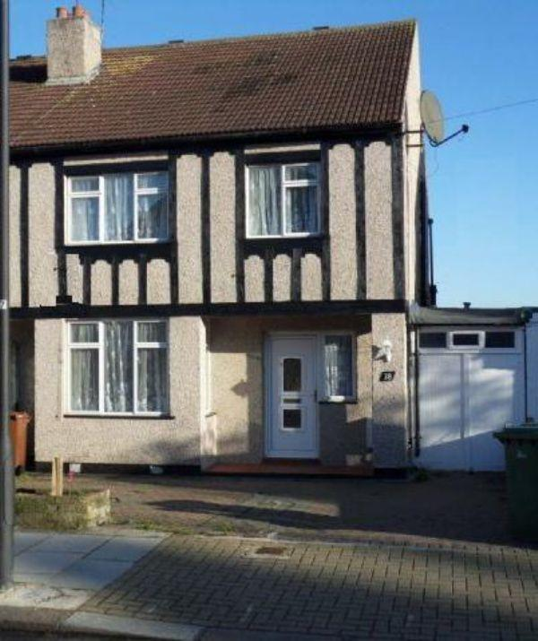 5 Bedrooms Semi Detached House for sale in Carlton Avenue, KENTON, Middlesex, HA3 8AY