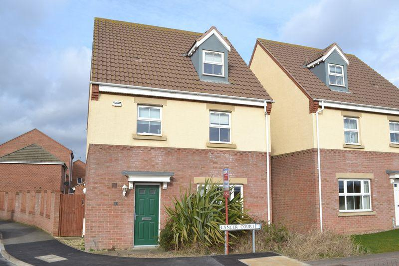 4 Bedrooms Detached House for sale in Lancer Court, Grimsby