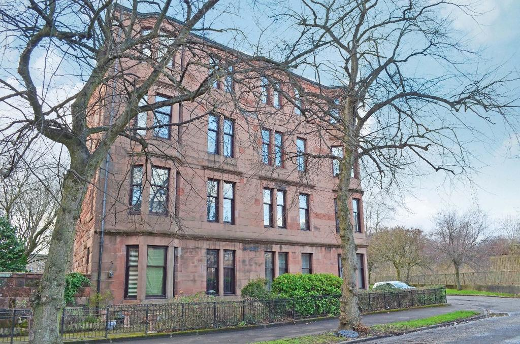2 Bedrooms Flat for sale in Balshagray Crescent, Flat 2/2, Whiteinch, Glasgow, G14 9RY