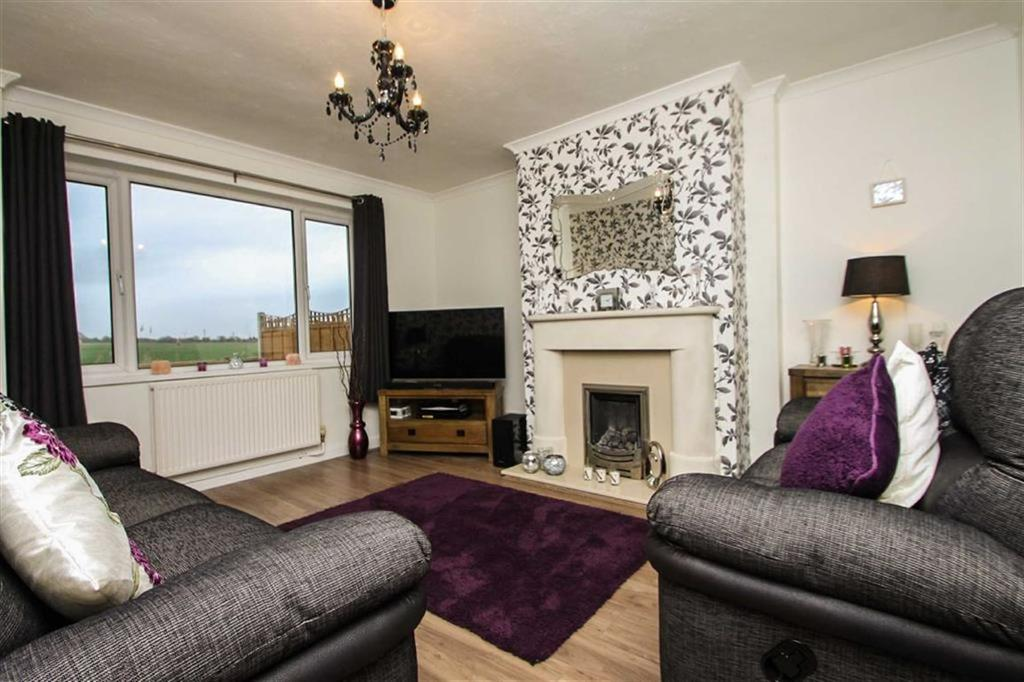 4 Bedrooms Semi Detached House for sale in Keswick Avenue, Holland-on-Sea