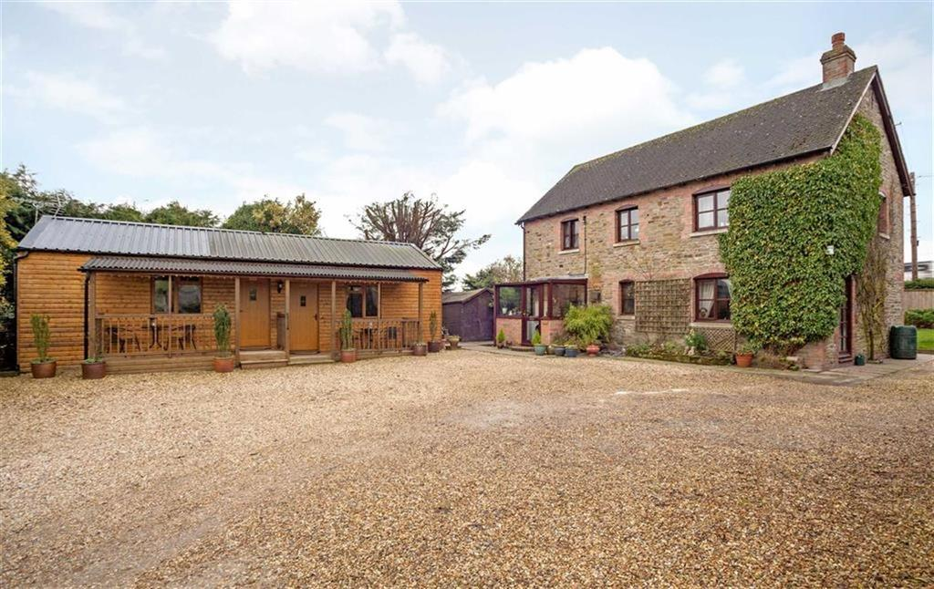 3 Bedrooms Cottage House for sale in LYONSHALL, Kington, Herefordshire