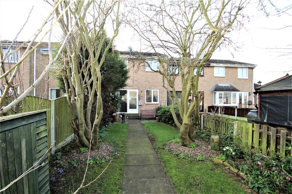 3 Bedrooms Terraced House for sale in Wentworth Road, Featherstone, WF7