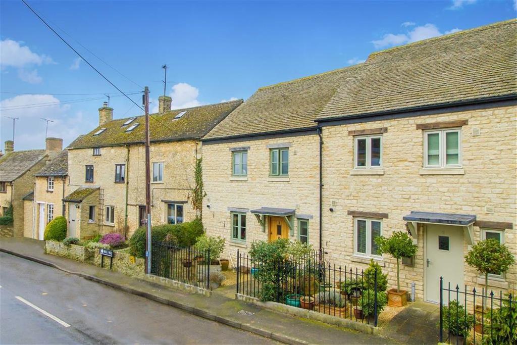 3 Bedrooms House for sale in Harveys Corner, Chadlington, Oxfordshire