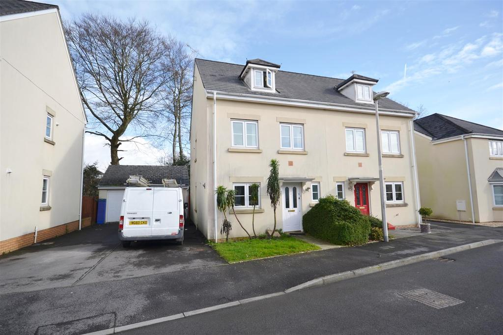 3 Bedrooms Semi Detached House for sale in Johnstown, Carmarthen