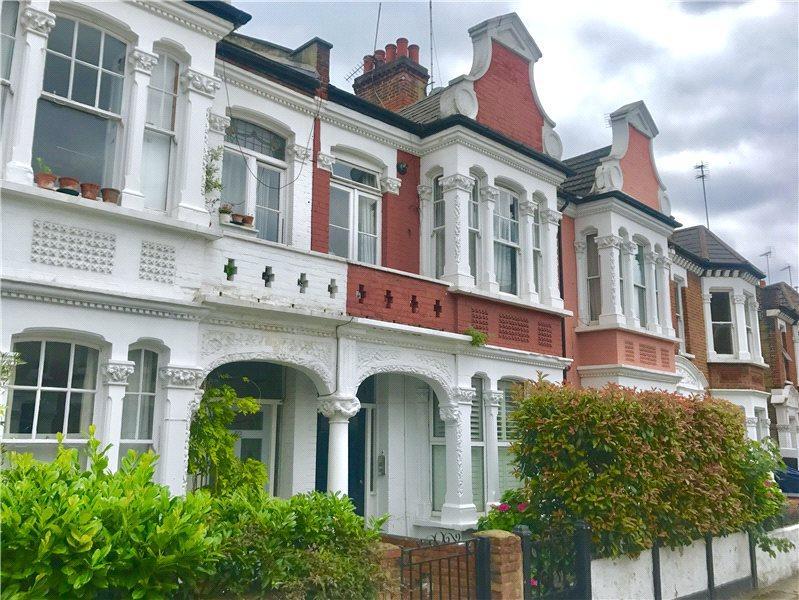 2 Bedrooms Flat for sale in Pennard Road, London, W12