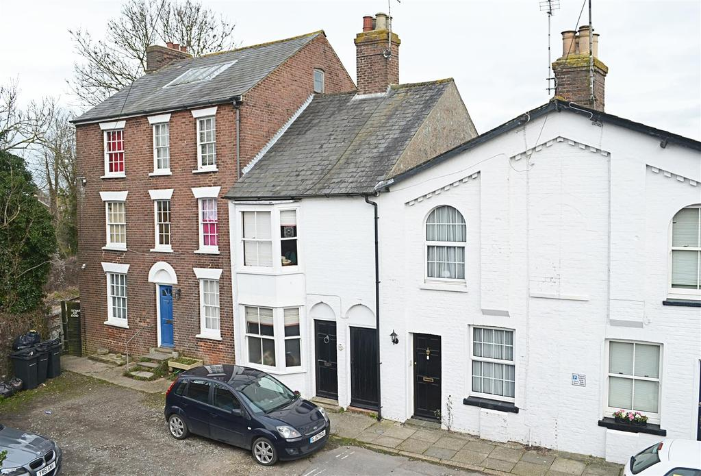 2 Bedrooms Semi Detached House for sale in Bridge Place, Rye