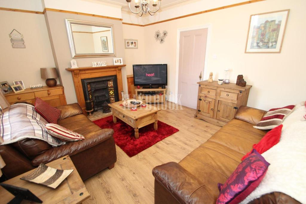 2 Bedrooms Terraced House for sale in Limpsfield Road, Wincobank