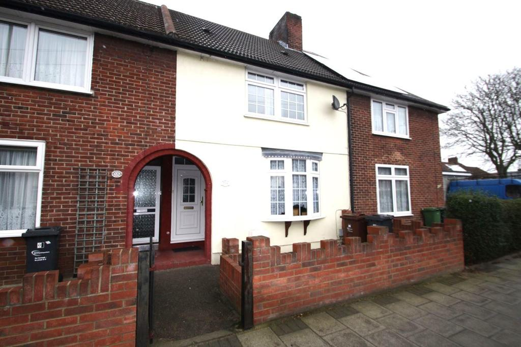 3 Bedrooms Terraced House for sale in Woodward Road, Dagenham