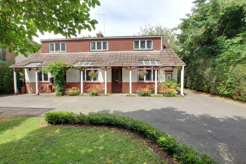 6 Bedrooms Detached House for sale in SOUTHWICK ROAD, DENMEAD
