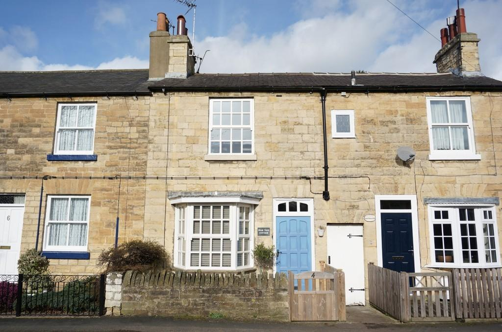 2 Bedrooms Terraced House for sale in Grove Road, Boston Spa, LS23