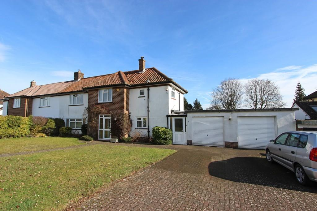 3 Bedrooms Semi Detached House for sale in Dunsfold Rise, Coulsdon