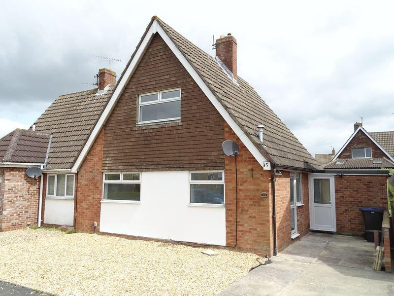 2 Bedrooms Semi Detached House for sale in Blackmore Road, Melksham