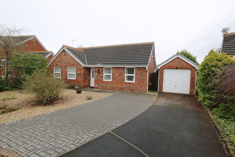 3 Bedrooms Detached Bungalow for sale in Hambleton Close, Longton