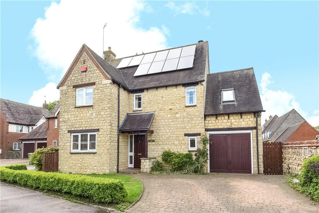 4 Bedrooms Detached House for sale in Carriers Close, Hanslope, Milton Keynes, Buckinghamshire