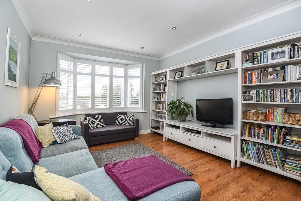 3 Bedrooms Semi Detached House for sale in Glebe Way, West Wickham, BR4