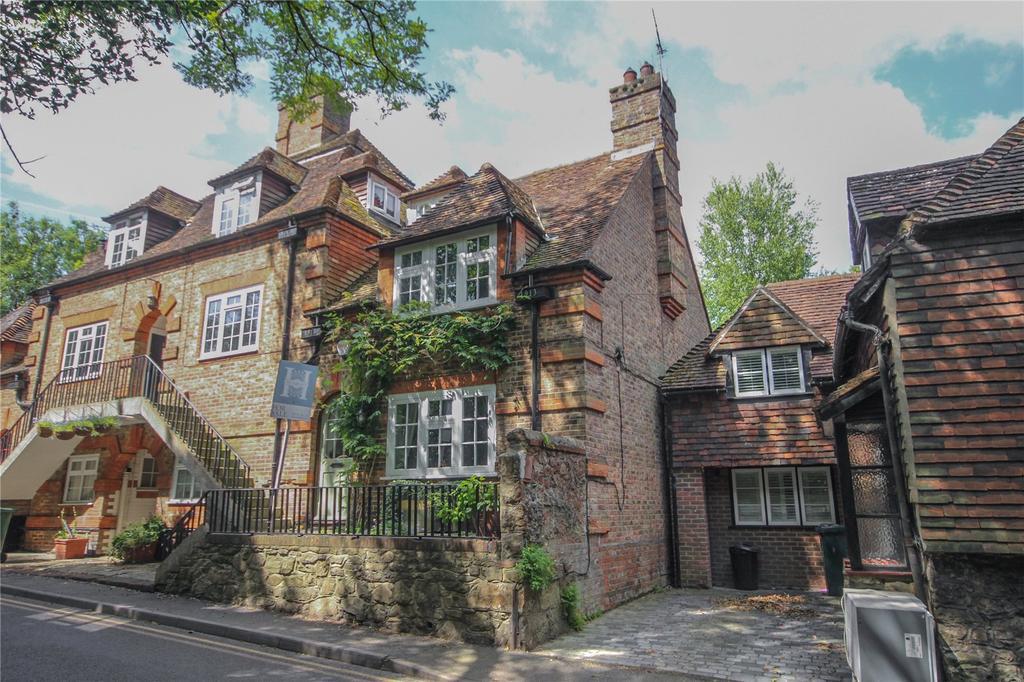 3 Bedrooms End Of Terrace House for sale in Church Road, Sundridge, Sevenoaks, Kent