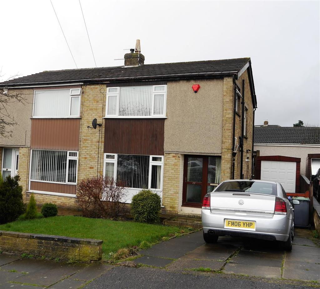 3 Bedrooms Semi Detached House for sale in Wesley Avenue, Low Moor, Bradford