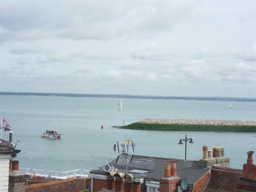 2 Bedrooms Apartment Flat for sale in High Street, Cowes