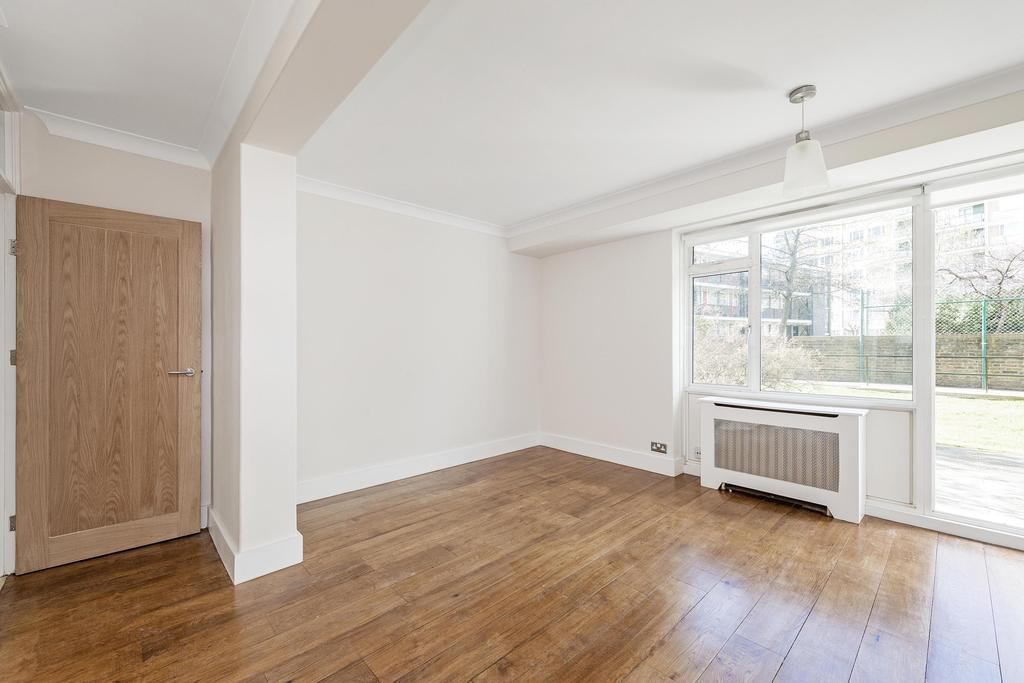 Studio Flat for sale in Churchill Gardens, SW1V