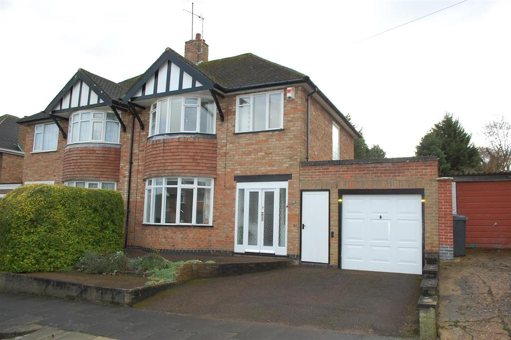 3 Bedrooms Semi Detached House for sale in Valentine Road, Evington