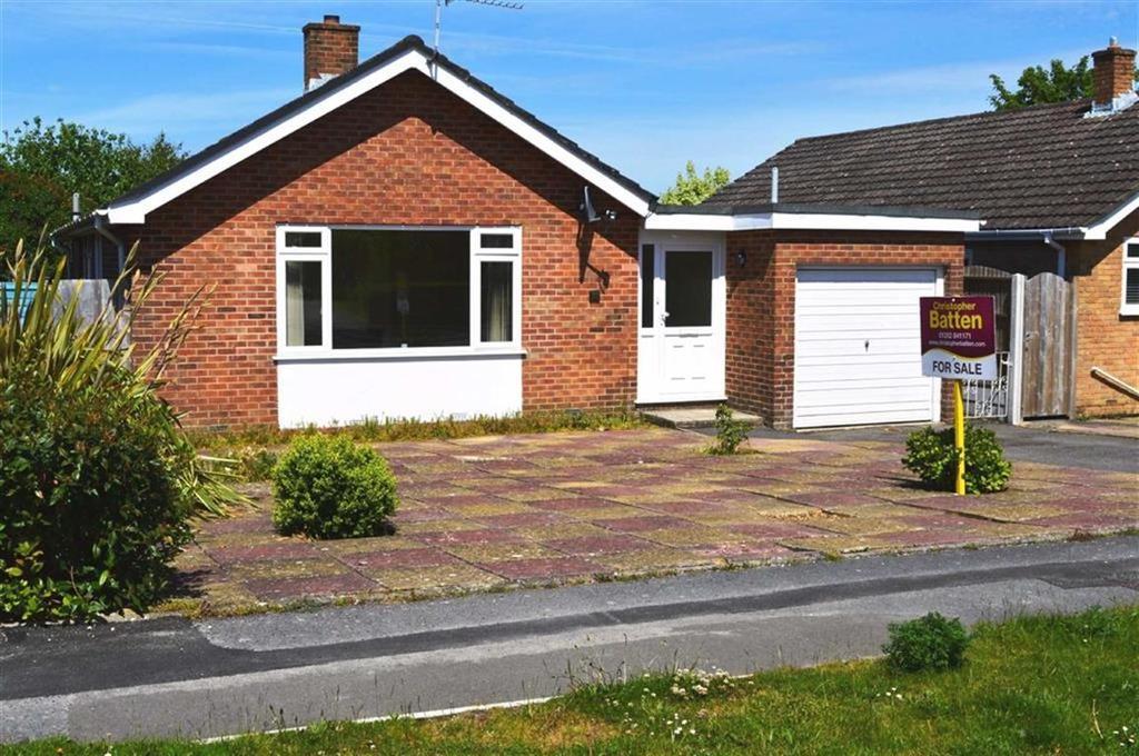 3 Bedrooms Detached Bungalow for sale in Rempstone Road, Wimborne, Dorset