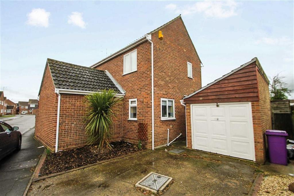 3 Bedrooms Detached House for sale in Westridge Way, Great Clacton
