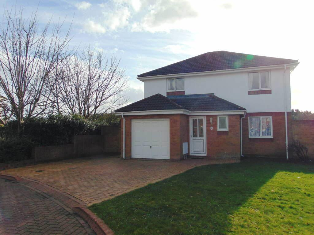 3 Bedrooms Detached House for sale in Heron Avenue, Llanelli