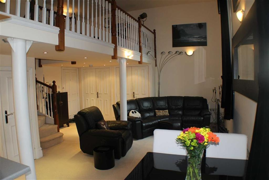 2 Bedrooms Duplex Flat for sale in The Royal, Wilton Place, Salford