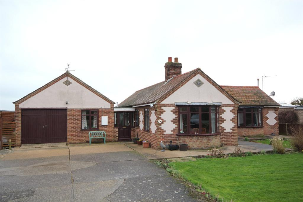 3 Bedrooms Detached Bungalow for sale in High Street, Walcott, LN4