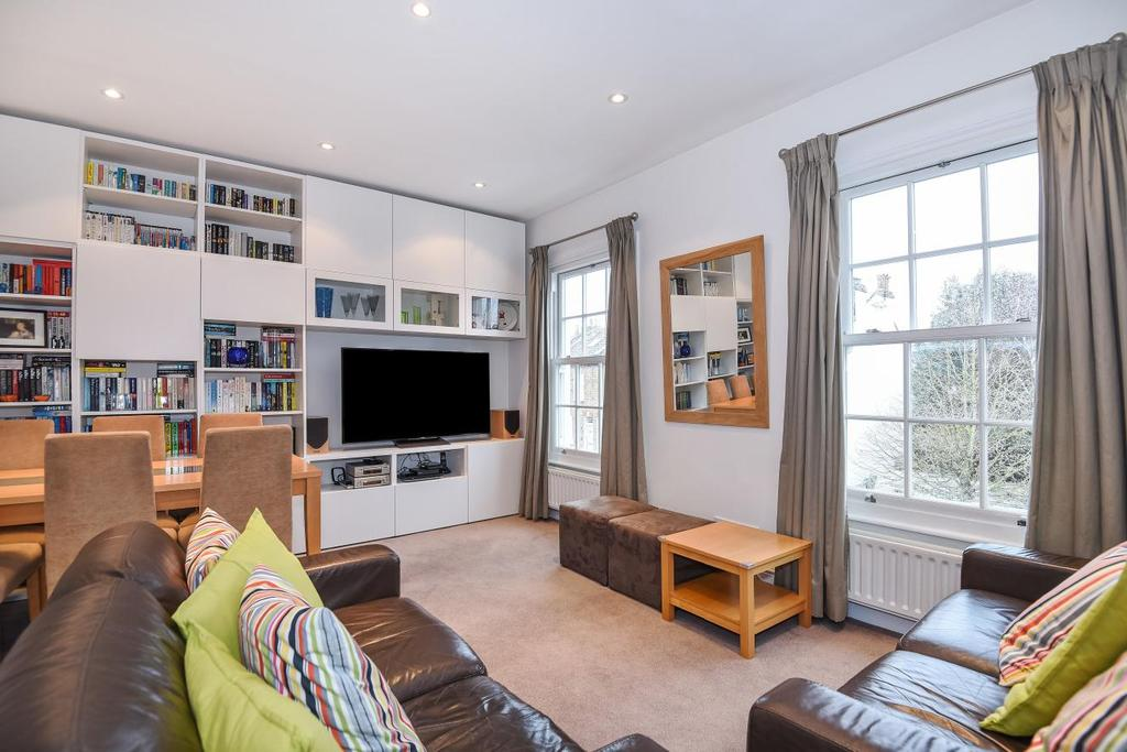 2 Bedrooms Flat for sale in Priory Road, Chiswick